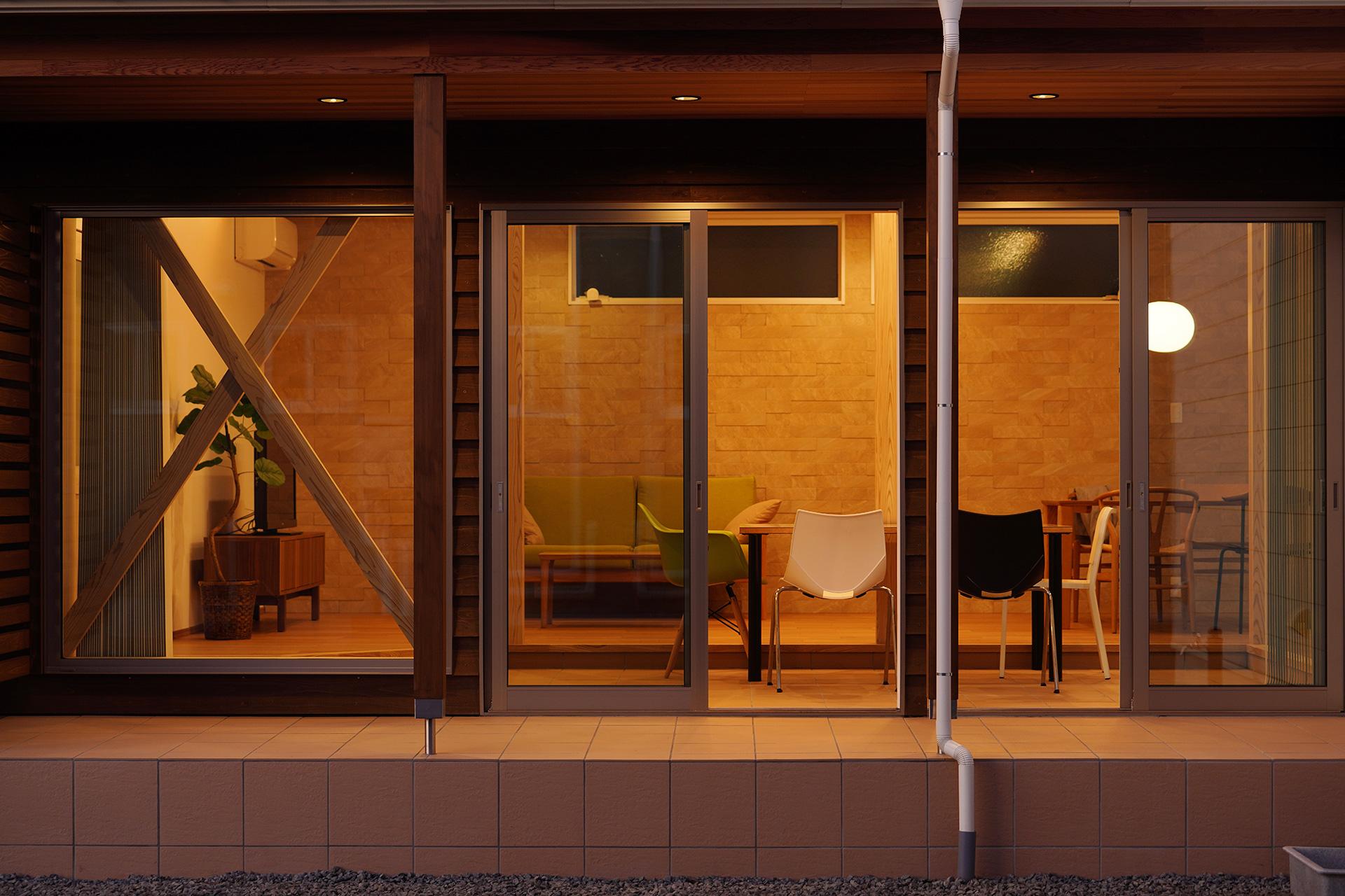In STYLEの家|飯野建築