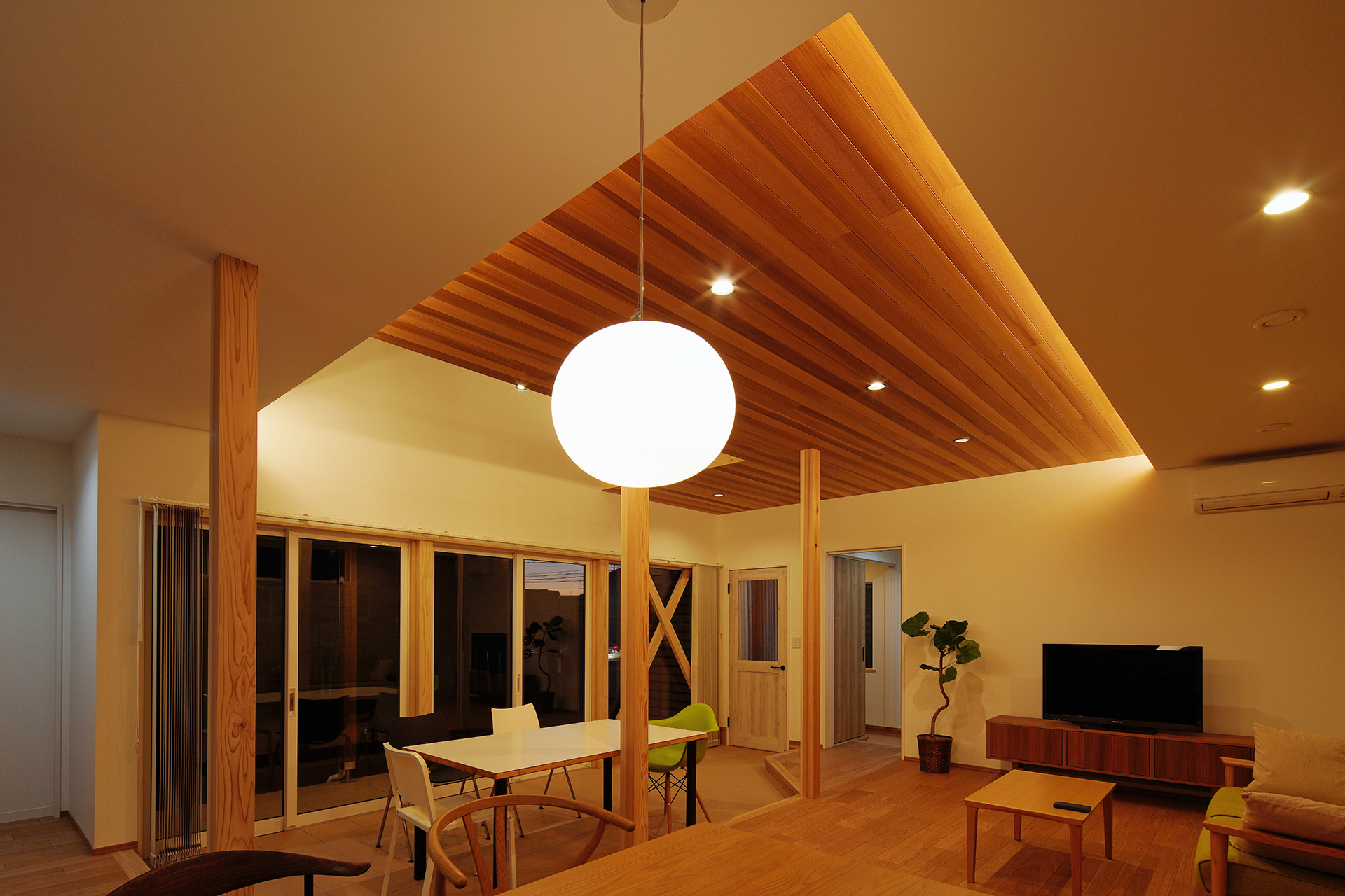 In STYLEの家 飯野建築